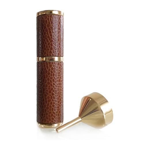 Lederen Parfum Sprayer Cognac bruin - navulbaar voor in de handtas. www.shungite-nederland.nl